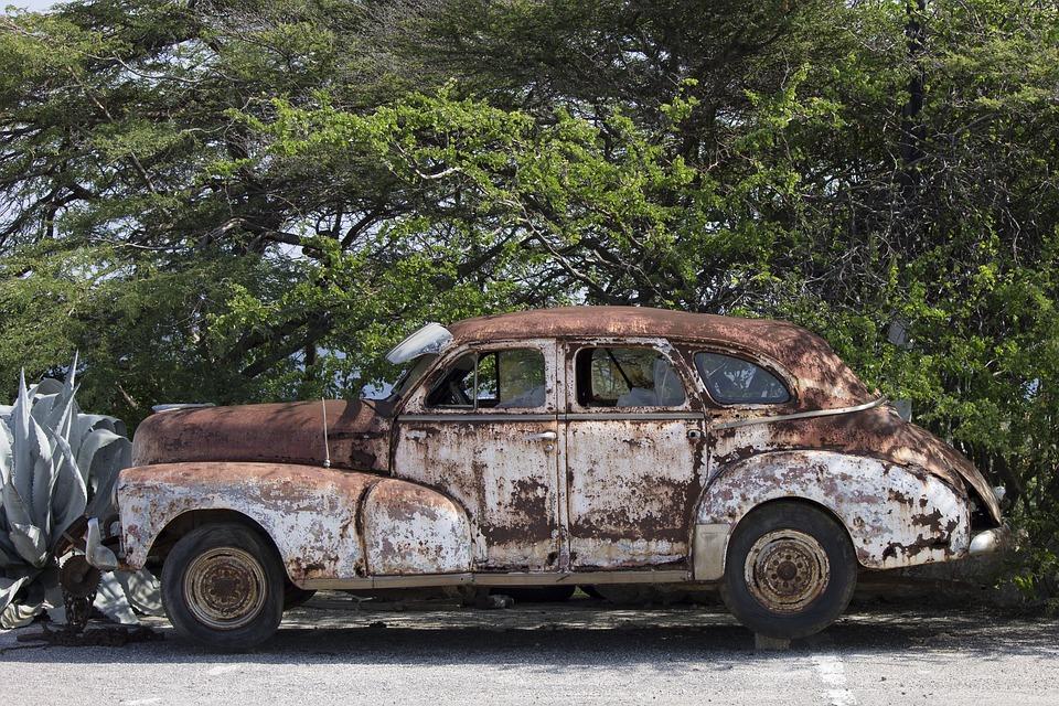 Junk Cars Lula